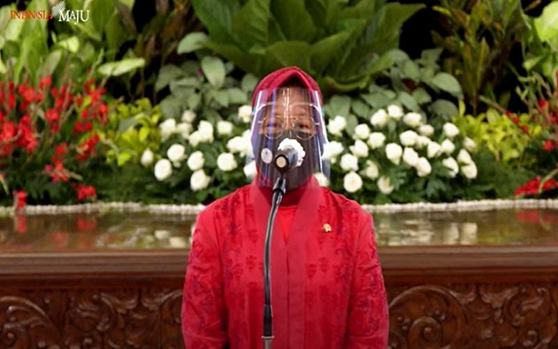 Menteri Sosial Tri Rismaharini usai dilantik Presiden Jokowi di Istana Negara, Rabu (23/12/2020)  -  Youtube: Setpres RI