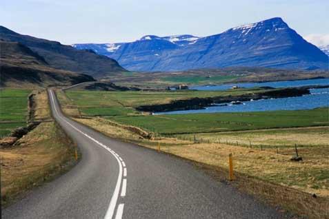 Kondisi jalan di Islandia - therichest