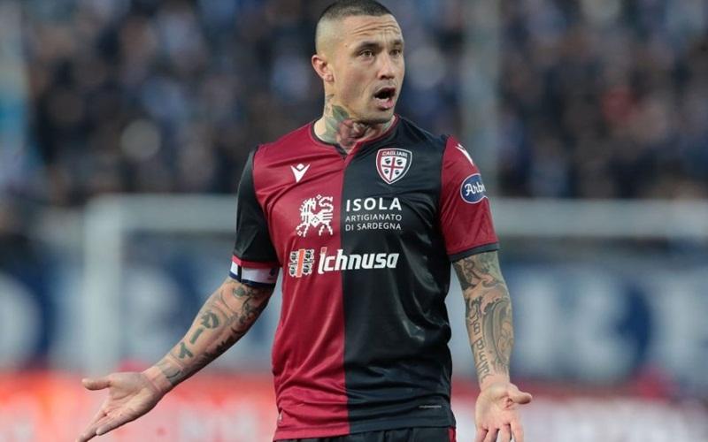 Gelandang Radja Nainggolan saat membela Cagliari - Sempre Inter