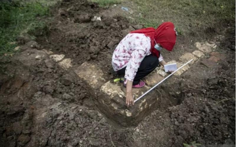 Arkeolog Sumsel Pakal Periksa Bangunan Diduga Candi dari Abad ke-12 - Antara