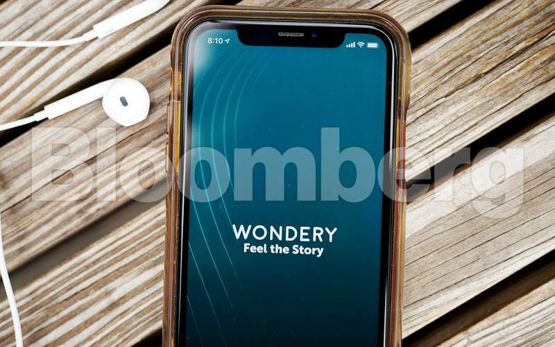 Podcast Wondery. - Bloomberg