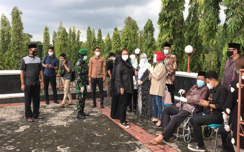 Pemakaman pakar ilmu hukum Universitas Diponegoro Prof. Dr. H. Muladi, SH di Semarang.