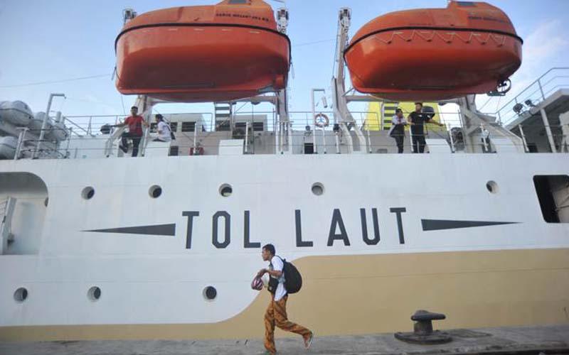 Kapal Motor Dobonsolo memasuki Pelabuhan Makassar, Kamis (7/9). - JIBI/Paulus Tandi Bone