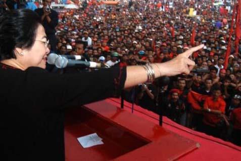 Megawati dalam sebuah kampanye akbar - ilustrasi
