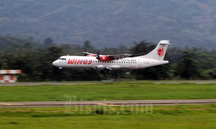 Aktivitas penerbangan di Bandara Sultan Hasanuddin Makassar, Sulawesi Selatan, Rabu (26/2/2020). Bisnis - Paulus Tandi Bone