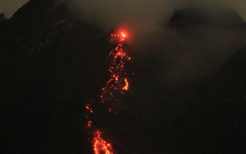 Lava pijar Gunung Merapi terus keluar. - Dok. BPPTKG