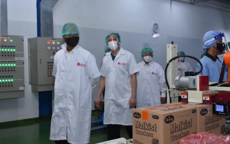 Kunjungan Menteri Perindustrian dalam rangka meninjau penerapan protokol kesehatan di lingkungan pabrik dan pelaksanaan Izin Operasionalitas dan Mobilitas Kegiatan Industri (IOMKI). Kemenperin