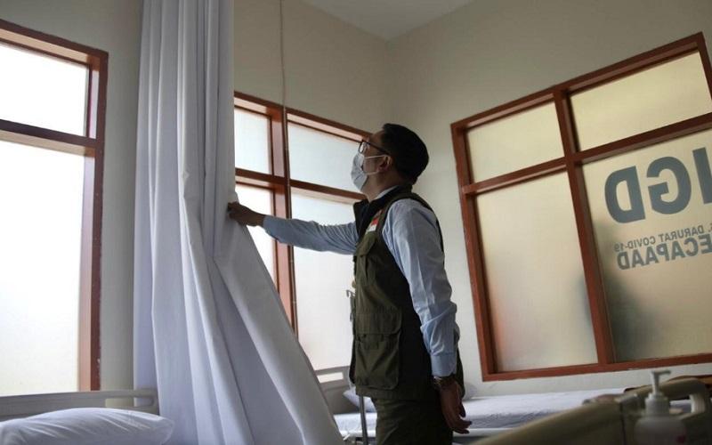 Gubernur Jawa Barat Ridwan Kamil mengecek fasilitas di Secapa AD yang dijadikan sebagai RS darurat Covid/19