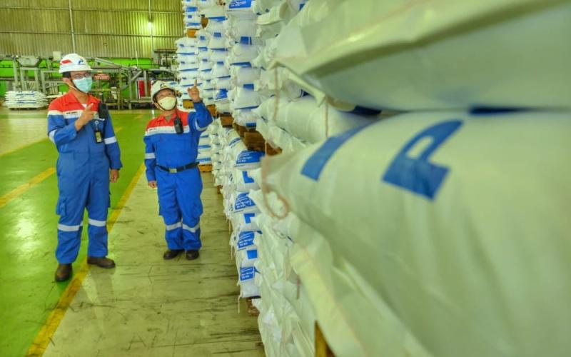 Pertamina Refinery Unit atau RU III Plaju. Polypropylene (PP) menjadi bahan baku pembuatan plastik yang digunakan pada industri kemasan makanan dan minuman.  - istimewa