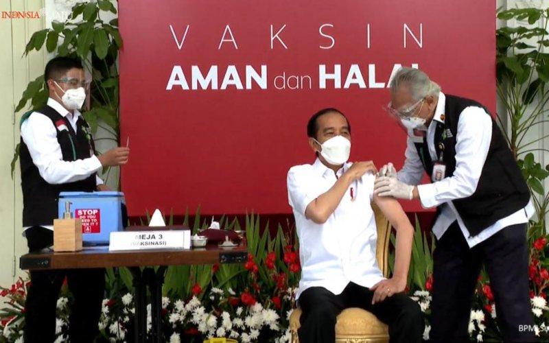 Presiden Joko Widodo (Jokowi) menerima vaksin Covid/19 pertama di Istana Merdeka, Jakarta pada Rabu 13 Januari 2021 / Youtube Sekretariat Presiden