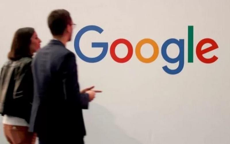 Google menghabiskan dana senilai US3 juta atau sekitar Rp42 miliar untuk membasmi hoaks terkait vaksin virus corona. - Antara/Reuters
