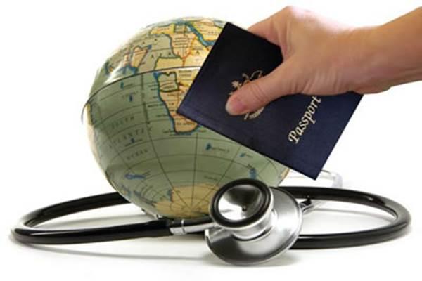 Wisatawan kini mulai mengincar vaksin virus corona (Covid-19) dengan melakukan perjalanan ke negara lain - travelinsuranceoffie.com