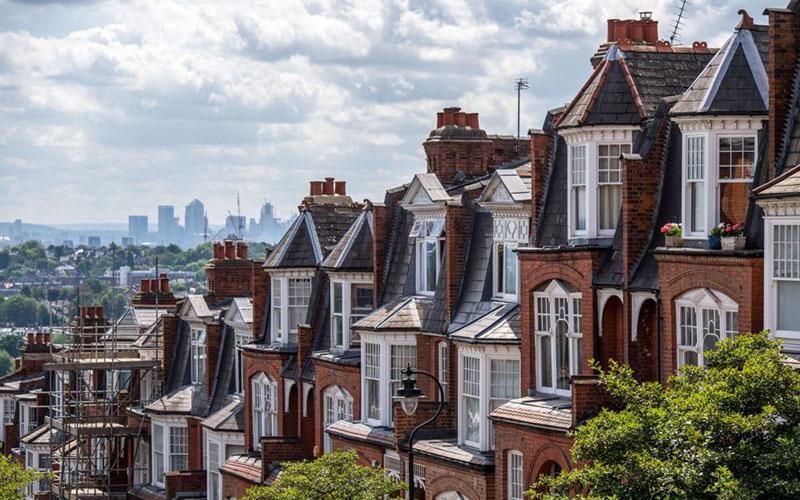 Perumahan di London, Inggris./Bloomberg - Chris J. Ratcliffe