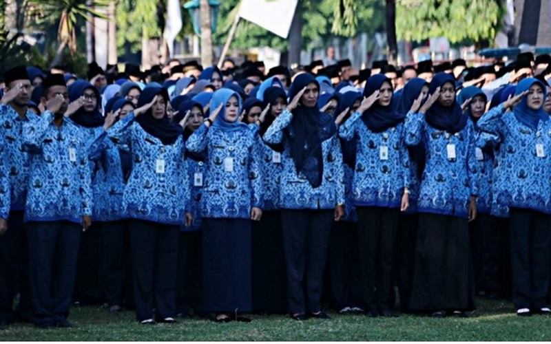 PNS di lingkungan Pemerintah Kabupaten Kudus, Jawa Tengah. - Antara