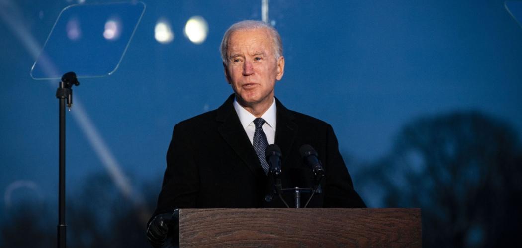 Presiden terpilih AS Joe Biden berbicara dalam acara peringatan terkait korban Covid-19 di Washington DC, AS, Selasa (19/1/2021). - Bloomberg/Al Drago\\r\\n