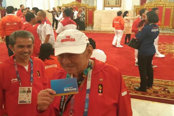 Bambang Hartono, usai menerima penghargaan di Asian Games. Bambang adalah salah seorang pemilik perusahaan rokok kretek Djarum - Yodie Hardiyan