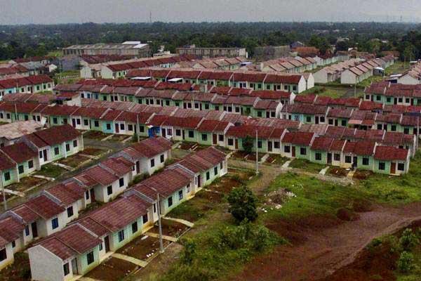 Foto aerial kawasan perumahan subsidi di Citayam, Jawa Barat. - Bisnis/Nurul Hidayat
