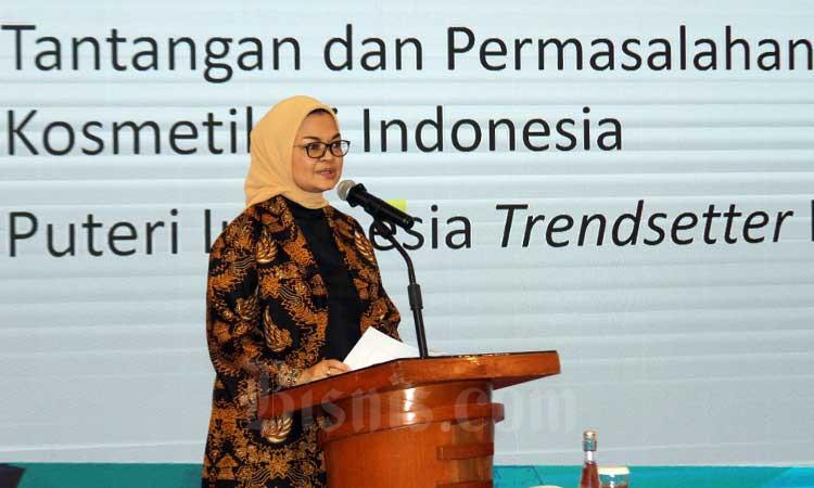 Kepala Badan Pengawas Obat dan Makanan (BPOM) Penny K. Lukito memberikan sambutan saat acara Pembekalan Finalis Puteri Indonesia 2020 Sebagai Duta Kosmetik Aman di Jakarta, Rabu (4/3/2020). Bisnis - Arief Hermawan P