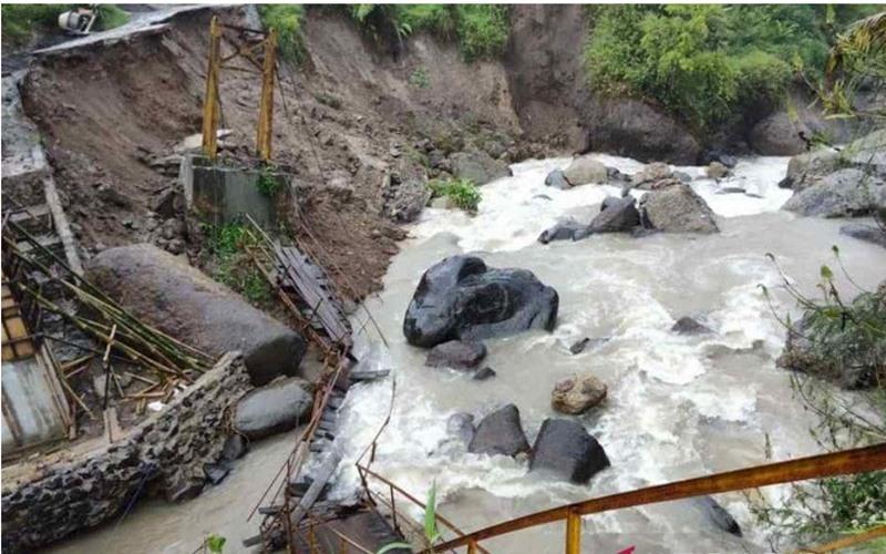 Imbas Longsor Cianjur, Pemkab Bakal Bangun Jembatan Gantung - Antara