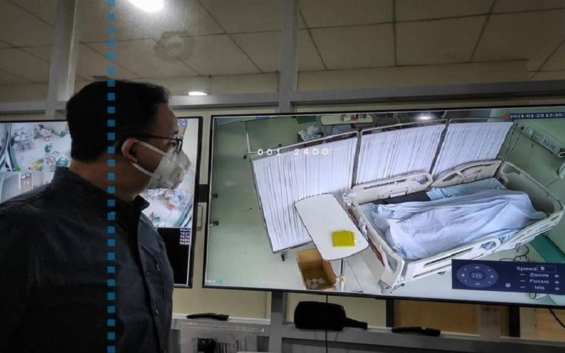 Gubernur DKI Jakarta Anies Baswedan memantau pasien Covid-19 di RSUD Cengkareng, Minggu (24/1/2021). JIBI - Bisnis/Nancy Junita @aniesbaswedan