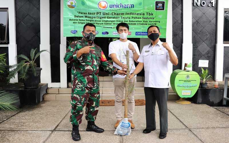 Pelaksanaan program Corporate Social Responsibility PT Uni-Charm Indonesia Tbk. - Istimewa