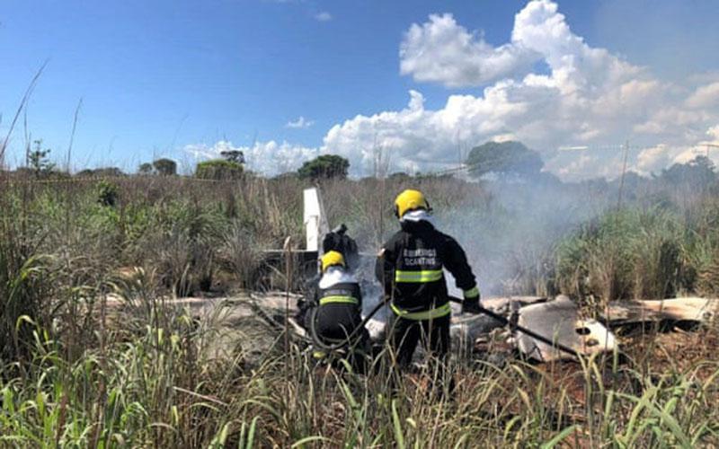 Pesawat yang membawa presiden dan pemain klub Palmas habis terbakar. - The Guardian