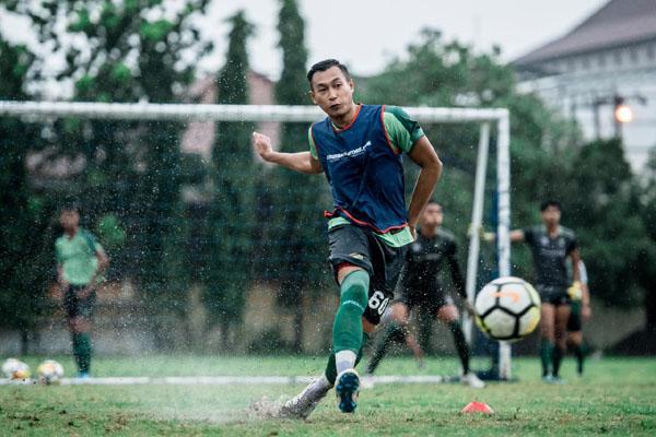 Bek Persebaya Surabaya Hansamu Yama Pranata - Persebaya.id