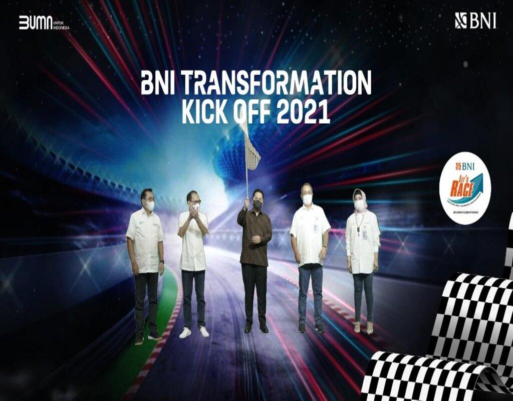 Foto: (Ki/Ka) Komisaris BNI Asmawi Syam, Komisaris Utama BNI Agus Martowardojo, Menteri BUMN RI Erick Thohir, Direktur Utama BNI Royke Tumilaar, dan Wakil Direktur Utama BNI Adi Sulistyowati pada BNI Transformation Kick Off 2021 di Jakarta, Rabu (27 Januari 2021).