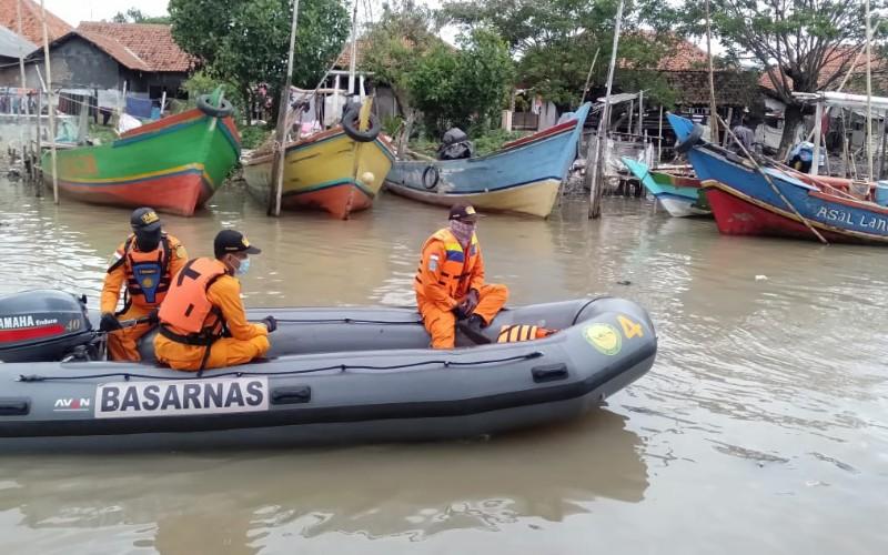 Proses pencarian nelayan hilang