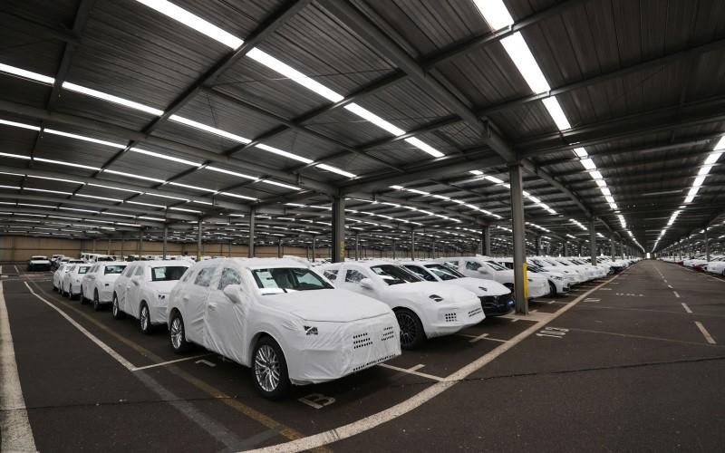 Salah satu fasilitas produksi mobil di Eropa - Bloomberg