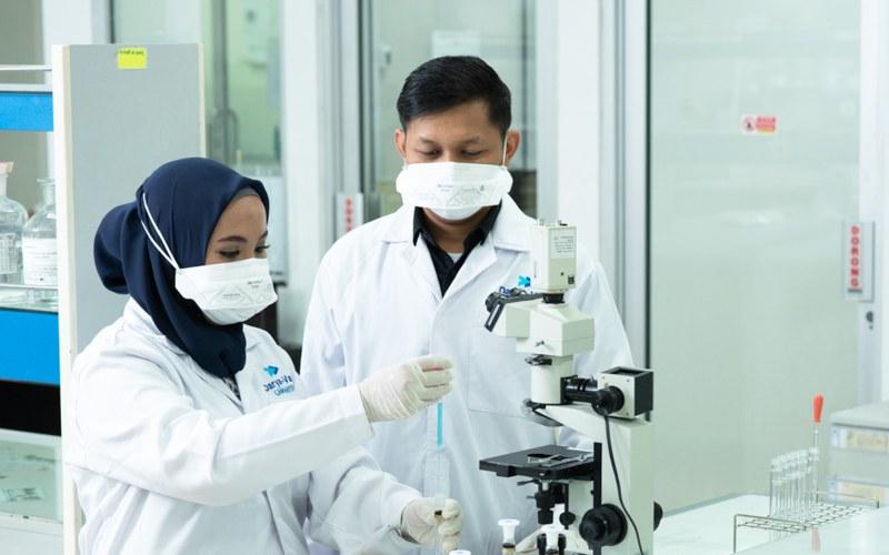 Ilustrasi. Aktivitas di laboratorium farmasi. - Darya/Varia