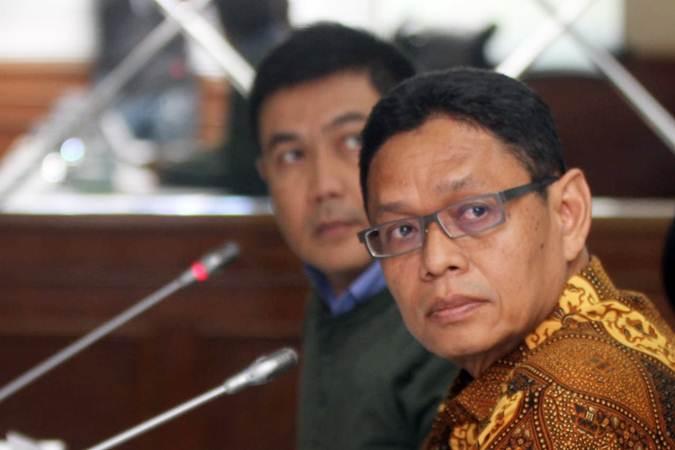 Deputi Bidang Pengembangan Iklim Penanaman Modal BKPM Yuliot (kanan) bersama Direktur Fasilitas Promosi Daerah Indra Darmawan menjawab pertanyaan wartawan, di Jakarta, Rabu (6/3/2019). - Bisnis/Endang Muchtar