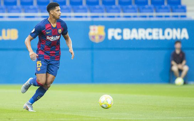 Bek tengah Barcelona Ronald Araujo. - FCBarcelona.com