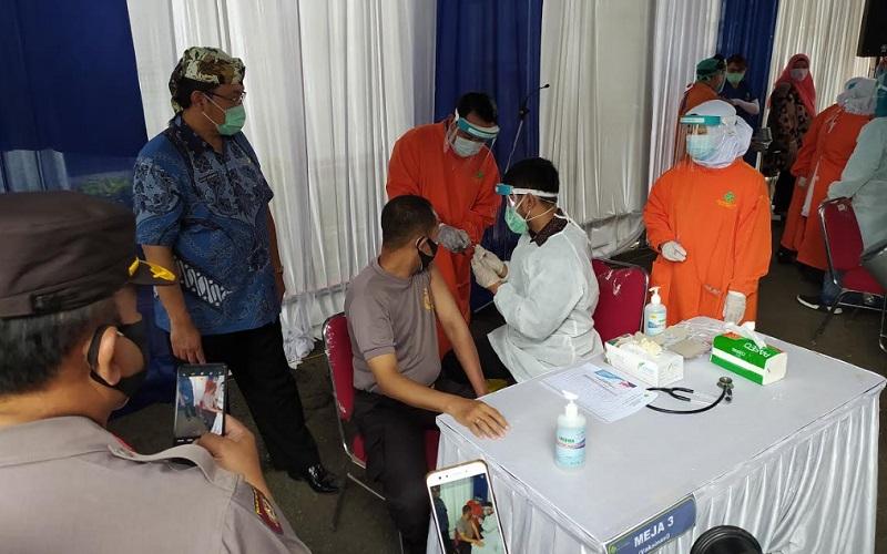 Vaksinasi Covid/19 di Kota Cirebon