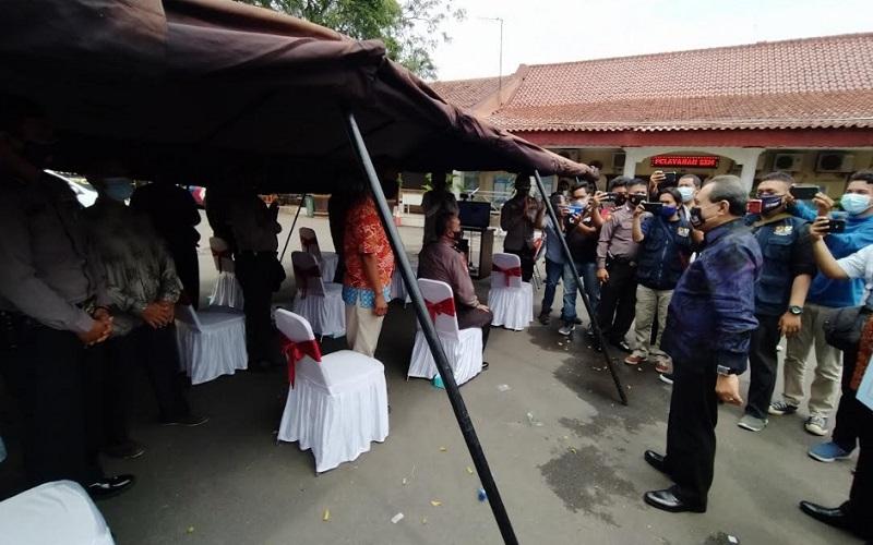 LPSK memberikan kompensasi kepada puluhan warga Cirebon yang menjadi korban aksi terorisme di Masjid Az Zikra Polres Cirebon Kota dan Gereja Santa Maria Tak Bercela Surabaya.