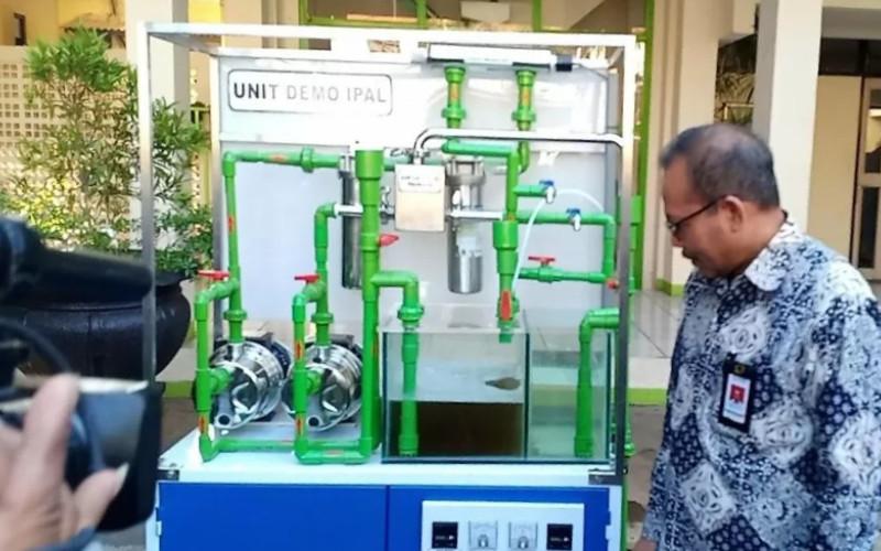 Alat pemantauan air limbah itu telah dipasang dan dioperasikan oleh PT Dan Liris, pabrik tekstil dan garmen yang berlokasi di Surakarta, Jawa Tengah.  - KEMENPERIN