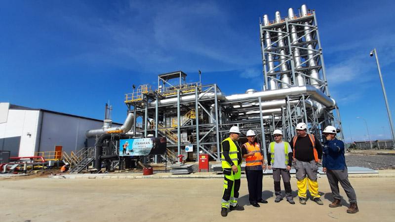 Pembangunan steam turbin PLTMG Lombok Peaker -  Bisnis / David E. Issetiabudi