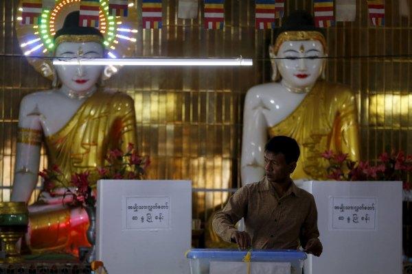 Suasana Pemilu Myanmar. - Reuters/Olivia Harris