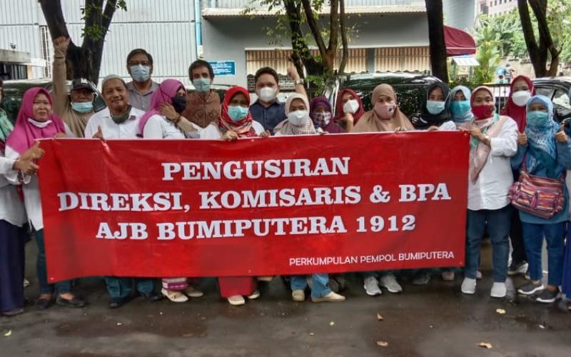 Sejumlah nasabah Bumiputera mengadakan unjuk rasa pada Selasa (2/2/2021) - Wibi Pangestu/Bisnis