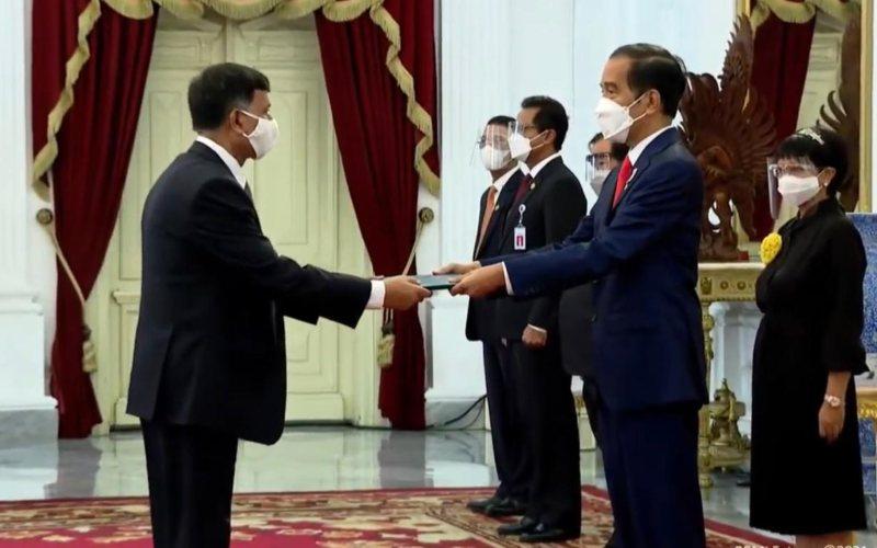 Presiden Joko Widodo menerima surat kepercayaan dari sejumlah duta besar negara sahabat di Istana Merdeka, Jakarta, Kamis 4 Februari 2021 / Sekretariat Presiden