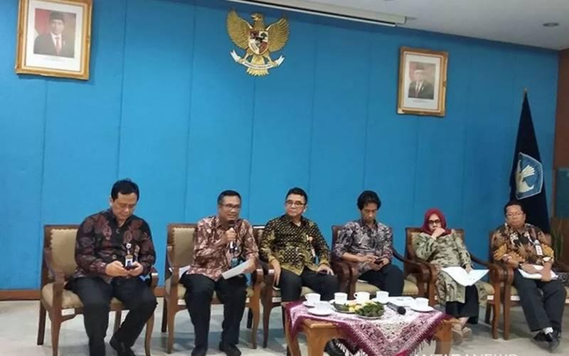 Konferensi pers Kemendikbud tentang Ujian Nasional di Jakarta, Rabu (11/3/2020). - Antara