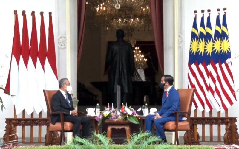 Presiden Joko Widodo menyambut kedatangan Perdana Menteri Malaysia Muhyiddin Yassin di Istana Merdeka, Jakarta, Jumat 5 Februari 2021  -  Sekretariat Presiden