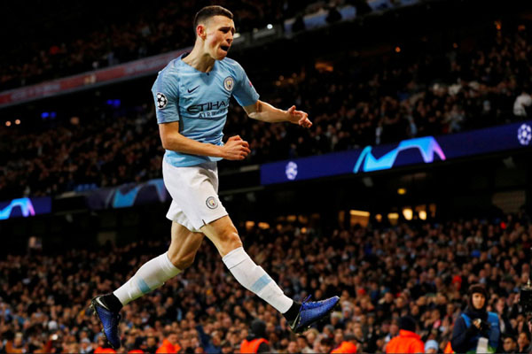 Gelandang Manchester City Phil Foden - Reuters