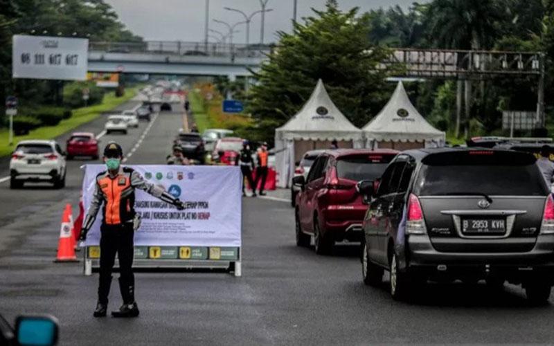Pelaksanaan kebijakan ganjil-genap bagi kendaraan bermotor di Kota Bogor, pada akhir pekan./Antara - Pemkot Bogor