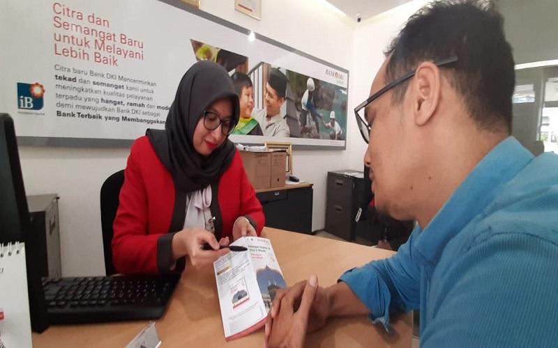 Ilustrasi - Layanan di Unit Usaha Syariah (UUS) Bank DKI - Dok. Bank DKI