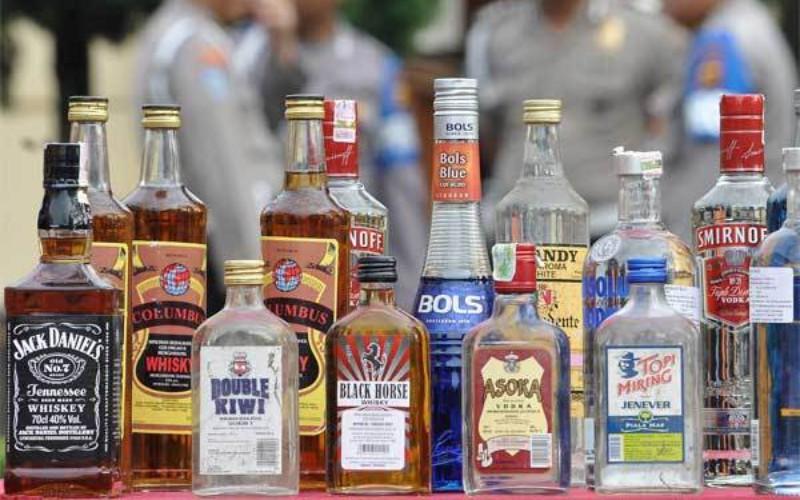 Ilustrasi Minuman beralkohol. Tanpa kegiatan sosial dan wisata minuman alkohol memang akan sulit.  - ANTARA