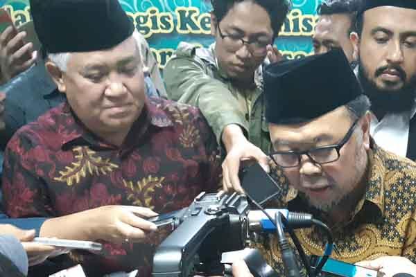 Ketua Dewan Pertimbangan Majelis Ulama Indonesia (MUI) Din Syamsuddin (kiri) dan Wakil Ketua Dewan Pertimbangan MUI Didin Hafidhuddin (kanan) seusai mengikuti Rapat Pleno MUI Rabu (29/8/2018). - Bisnis/Jaffry Prabu Prakoso