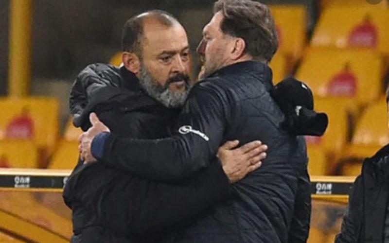 Pelatih Wolverhampton Nuno Espirito Santo (kiri) dan pelatih Southampton Ralph Hasenhuttl. - Saints Marching