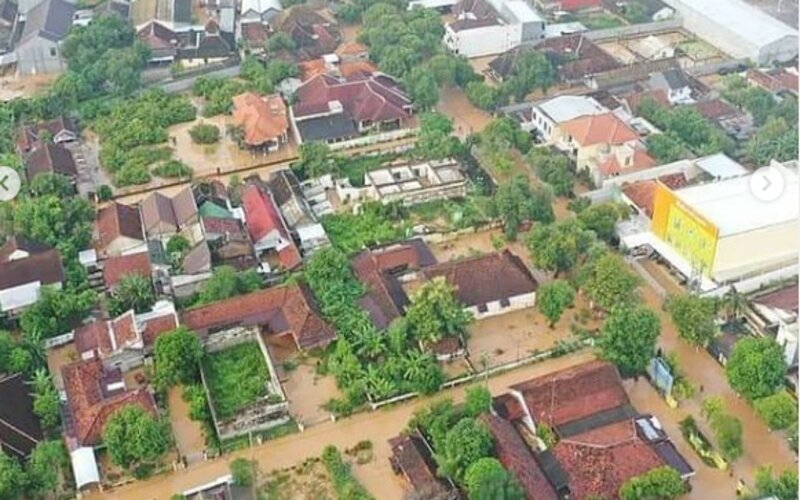 Tangkapan layar banjir melanda Nganjuk, Senin (15/2/2021). - Sumber Ketua TP PKK Nganjuk