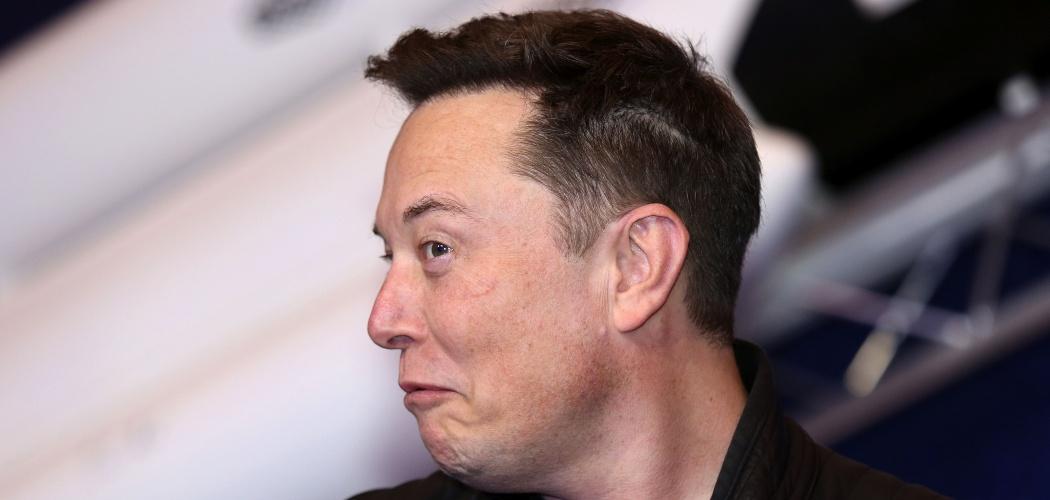 CEO Tesla Inc. dan pendiri SpaceX Elon Musk ketika tiba di acara Axel Springer Award di Berlin, Jerman, Selasa (1/12/2020). - Bloomberg/Liesa Johannssen/Koppitz